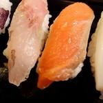 勝美寿司 - サーモン、ほうぼう