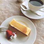 カフェ&レストラン ドルフィン -