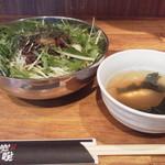 本格七輪 炭火焼肉 炭咲 - 牛ミンチ丼セット680円(税込)