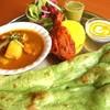 ロティボティ - 料理写真:Season Special Lunch 5/1~ 5/31グリーンサラダ・タンドリーチキン・チキンとじゃがいもカレー・ターメリックライス・ほうれん草のナン・デザート\1,250