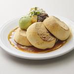 マテリアル カフェ - 黒蜜ときな粉のパンケーキ 2枚:¥980(税別) / 3枚:1,180(税別)