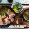 黄金寿司 - 料理写真:本日の海鮮丼の(中)1600円です