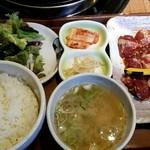 焼肉 平和園 - 料理写真: