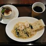 Pasta Mercato - 小エビとほうれん草のバター醤油パスタ