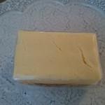 御菓子 花岡 - しっとりしたチーズケーキです