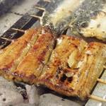 鰻将本店 - 蒲焼きの松を備長炭で丁寧に焼き上げています。