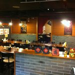 唐朝刀削麺 - ご宴会時のお席イメージ(手前28名様、奥20名様)30名様以上で貸切に