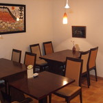 小松屋 - 内観写真:4卓14席と席数が少ないのでご予約を頂けるとスムーズです。