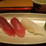 達 菊うら - 鮪とアオリ烏賊の鮨