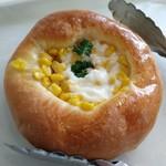 ブランチ - 料理写真:コーンパン 220円 結構大きくてコーンたっぷり!