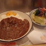 ステーキハウスひのき - カレーライス。お肉と野菜がたくさん溶け込んでいました。
