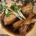 むちゃく - アラ炊きには鯛とカンパチ