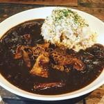 MUNYA - トロトロ持つ煮のブラックカレー