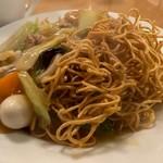 南海飯店 - かたい焼ソバの麺