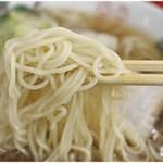 中華そば 竹千代 - ちゅるるん麺。