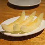 ともすけ - イエローキング(メロン) コラトゥーラ(イタリアの魚醤)の風味で