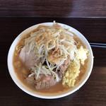 ピコピコポン - 豚増しラーメン(生姜トッピング、ニンニク・ヤサイ)1,080円