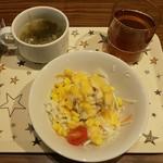 107426318 - サラダ、スープ、ドリンク