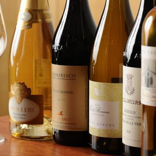 ワインはイタリア中心に取り揃えております◎