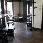 コーヒーファクトリー  - 店内。