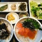マスカクラブ - マスの子と角切り鱒の介の丼と鰻の蒲焼丼