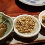 107438791 - 付き出し3種                       ①豚肉と椎茸と大根の煮物                       ②里芋の利休揚げ、白身銀餡掛け                       ③竹の子、蕗、蕨、山椒の葉の焚き合わせ