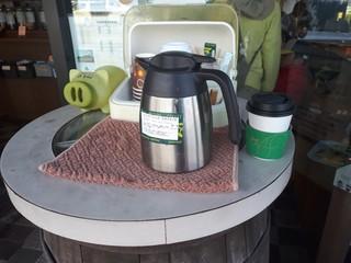 コーヒーファクトリー  - 店の前には100円の持ち帰りコーヒー!