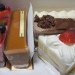 ショウタニ - イチゴショート、キャラメル、ショコラ、イチゴムース、レアチーズケーキ