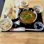手打ちうどん ほそ井 - 海老天カレーあんかけうどん  ¥1100 ランチ ¥200 かやくご飯 野菜一品 漬物