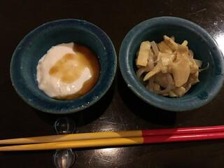 旬菜処 びいどろ - ジーマミー豆腐,スンシーと蒲鉾の炒め物