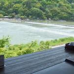 嵐山よしむら - 窓際席からの眺め