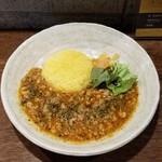 SPICY CURRY 魯珈 - 谷中生姜ほのかに薫るスパイスフル鶏キーマカレー