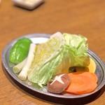 牛新 - 野菜焼き盛り合わせ(500円)