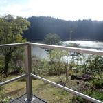 バリアフリーペンション ユートピア丸 - テラスからは、湖(猪苗代湖ではない)が一望できるミャ