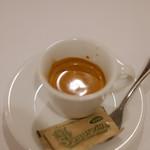 リストランテ ピッツェリア ジャンカルロ トウキョウ - ドリンク写真:苦み走ったオトナのエスプレッソ
