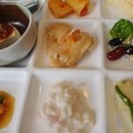 北海道スカイテラス MINORI - 鶏肉のカチャトーラパスタ、カレイの南蛮漬け、苺のクリームリゾット