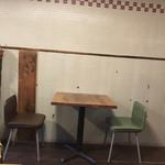 ミルコーヒー&スタンド - 店内