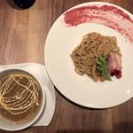ギオン ダック ヌードルズ - つけ麺(ベリー、ロース)並 980円