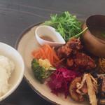 Saji - 料理写真:今日は鶏胸肉とコーンのからあげ【1000円】