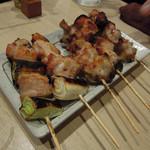 串一 - 地鶏ブランド鶏5種食べ比べ1,100円(税別)