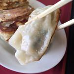 中国料理 四季香 - もっちりと美味しい餃子です。