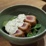 名物わら焼きとマグロ料理 北堀江 ほおずき - 揚げ物 まぐろのレアかつ 自家製タルタルソース
