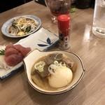 晩杯屋 - マグロ刺し200円