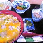 春翠亭 - 親子丼セット全景