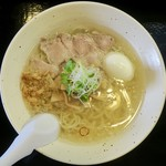 Nikumasusobamasami - らーめん(ふつう)並800円、塩味玉100円