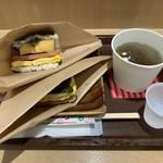 107500888 - ポークたまごおにぎり 250円 、島豆腐の厚揚げのポークたまごおにぎり440円 、もずくスープ 200円