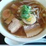 レストラン・サントピア  - 醤油ラーメン550円