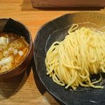 107503287 - つけ麺(中盛り 330g 780円)+水餃子(2ケ 150円)
