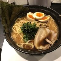 横浜らーめん 源泉-黒醤油味玉中盛