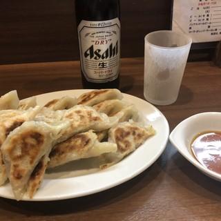 ぎょうざの店 黄楊 - 料理写真:ぎょうざ2人前780円